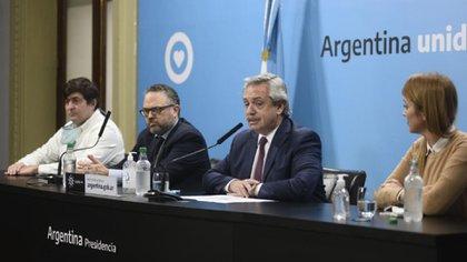 Alberto Fernández, Matías Kulfas, Gabriel Delgado y la senadora Anabel Fernández Sagasti durante el anuncio de la intervención y privatización de Vicentín