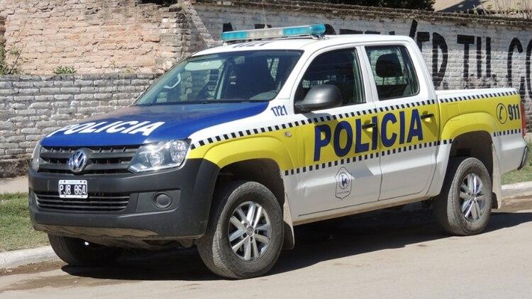 La policía de Tucumán fue atacada con un arma de fuego mientras buscaba pruebas en la zona del crimen.