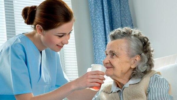Por el momento no existen medicamentos que prevengan o reviertan el Alzheimer, que es la demencia más común entre los mayores y que afecta a 50 millones de personas en todo el mundo