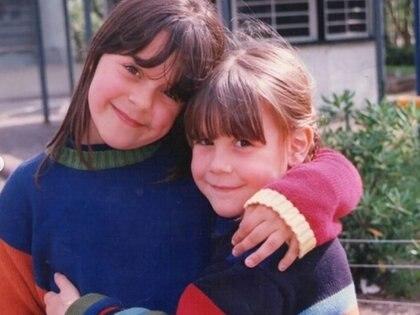 Fernanda creció en la localidad de Vicente López, junto a su hermana, su papá y su mamá