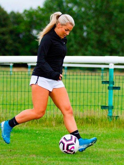 Madelene Wright, tras su salida del Charlton Athletic, lleva un mes sin encontrar nuevo club (@madelene_wright)
