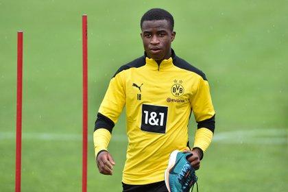 Youssoufa Moukoko podría debutar este sábado con el Borussia Dortmund en la Bundesliga (Shutterstock)