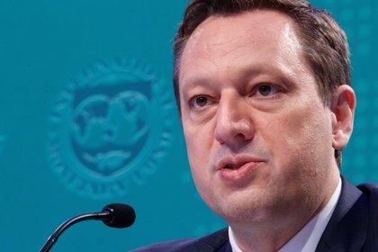 En la imagen, Tobias Adrian, director del Departamento de Mercados Capitales del Fondo Monetario Internacional. EFE/Shawn Thew/Archivo