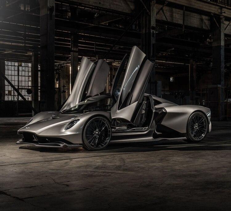 Está construido íntegramente con fibra de carbono: pesa sólo 1.350 kilos