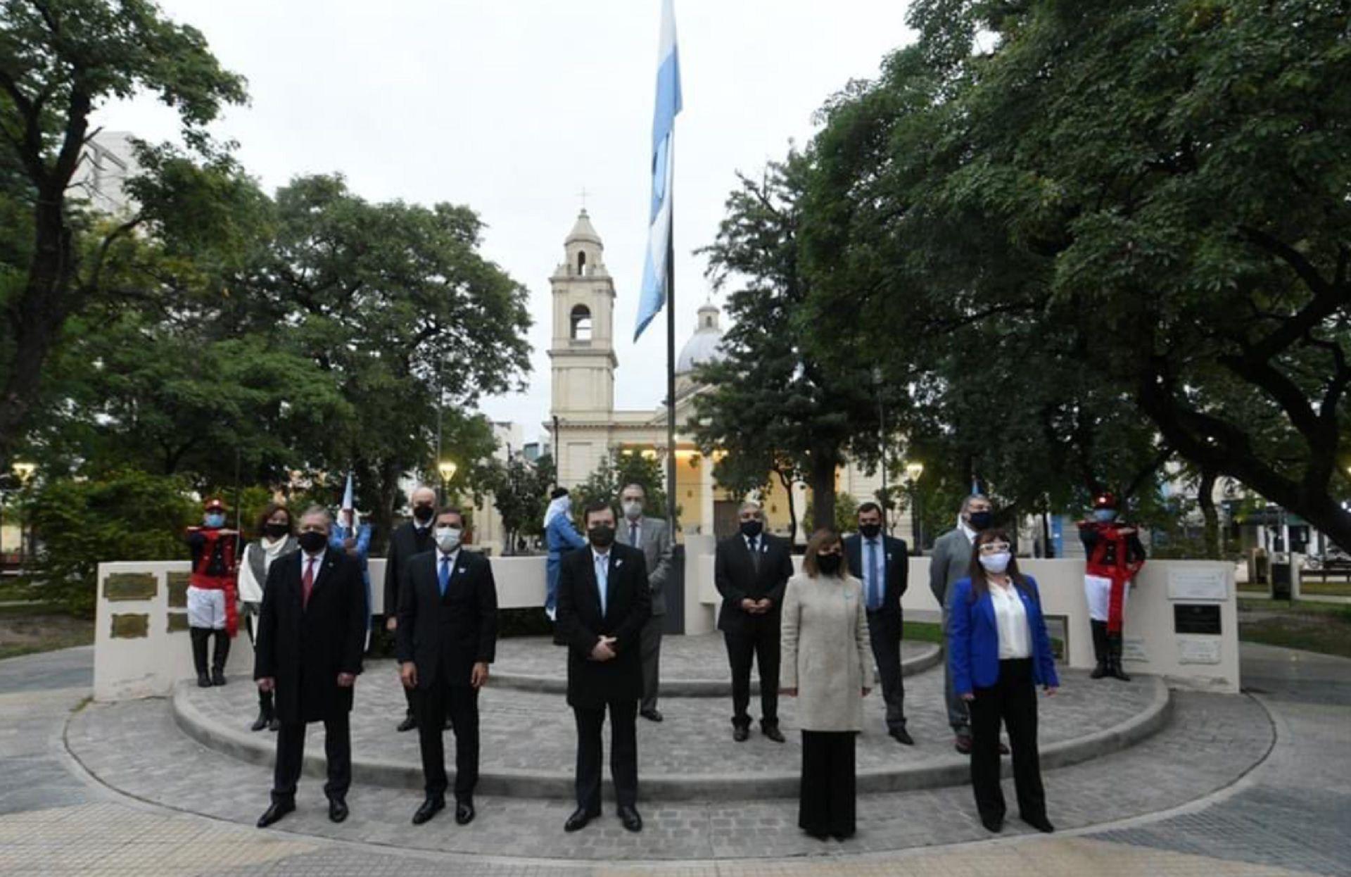 Gerardo Zamora Día de la Bandera