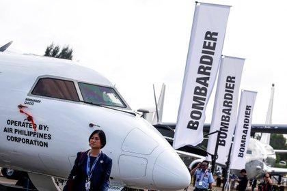 La división de aviación del fabricante ferroviario y aeronáutico Bombardier reducirá su plantilla en unos 2.500 empleados como respuesta a los efectos de la pandemia de covid-19 en ese sector, anunció el viernes la compañía canadiense. EPA/WALLACE WOON/Archivo