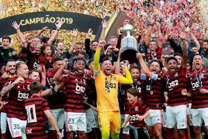 La celebración de Flamengo luego de levantar la Copa (Foto: Reuters)