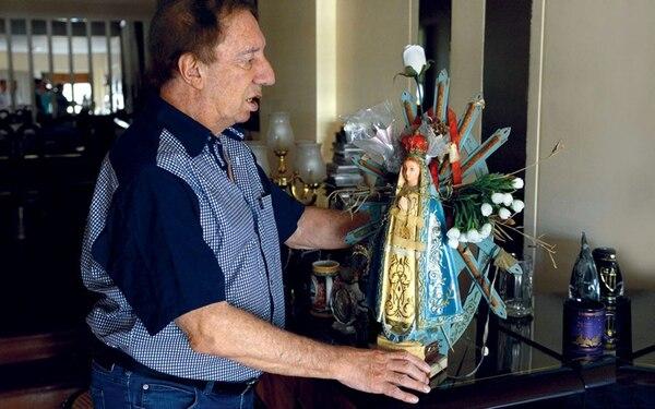 Junto a la Virgen que fue la cábala de México 86.