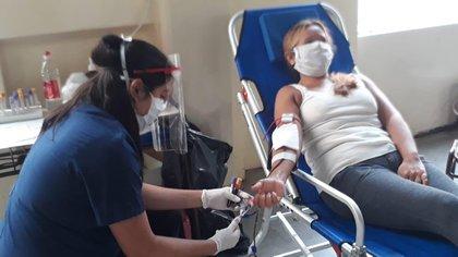 En el hospital se realizaron más de 400 transfusiones de plasma convaleciente