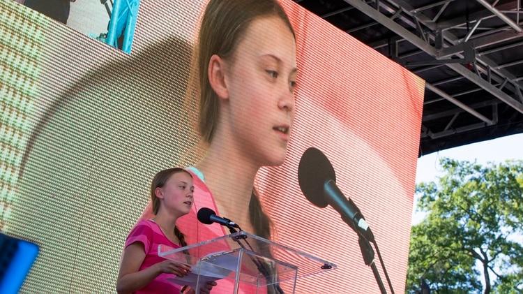 Thunberg se define como una adolescente sueca activista del clima, El pasado viernes 20 de septiembre fue una verdadera sensación en la Huelga del Clima, en Nueva York.Greta interpeló a políticos, líderes mundiales y a la sociedad toda a reaccionar frente al cambio climático. (Foto AP/Eduardo Muñoz Alvarez)