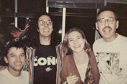 El amor después del amor: Ernesto y Alejandro junto a Fito Paéz y Cecilia Roth.