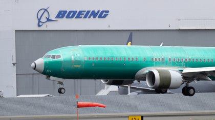 Un Boeing 737 Max siendo sometido a pruebas (AP)