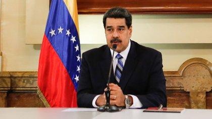 El dictador Nicolás Maduro evalúa su futuro que podría estar en República Dominicana si alcanza una negociación eficaz con la oposición y los Estados Unidos (EFE)
