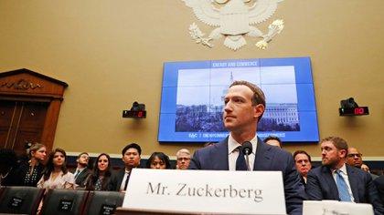 Mark Zuckerberg dijo que el archivo con los datos de los usuarios es completo; sin embargo, el Equipo de Operaciones de Privacidadreconoció que lo almacenado en Hive no se muestra (Reuters)