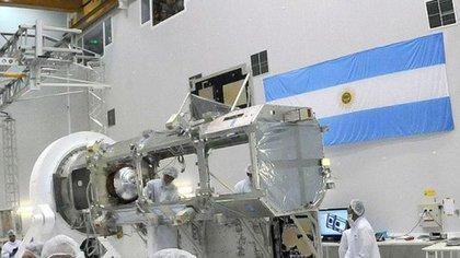 El satélite, proyectado en la Conea y construido en Invap, servirá para observación de la Tierra
