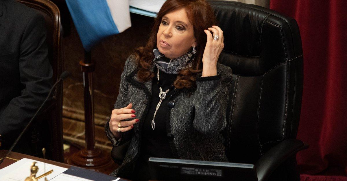 """Cristina Kirchner denunció a Google porque figuró como """"ladrona de la Nación Argentina"""" - Infobae"""
