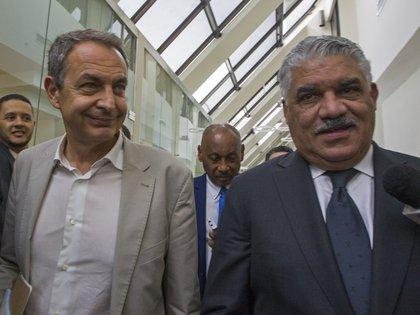 La iniciativa del diálogo estuvo impulsada por Rodríguez Zapatero y Daniel Medina (AFP)