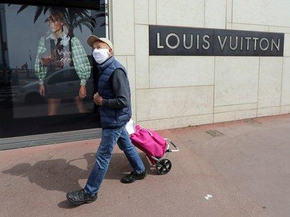 La industria de la moda se solidariza con el mundo  REUTERS/Eric Gaillard