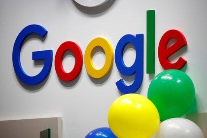 Logo de Google en París, Francia (REUTERS/Charles Platiau/File Photo)