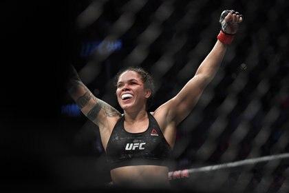 La brasileña es la mejor peleadora libra por libra de la UFC (USA TODAY Sports)