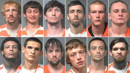 Los doce prisioneros que engañaron a un guardiacárcel y lograron escapar del penal en el que estaban detenidos (Walker County Sheriff's Office)