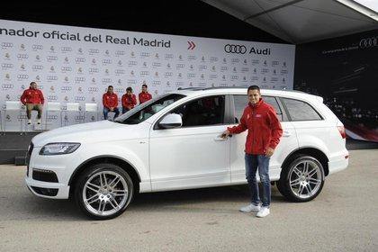 Javier Hernández recibió su segundo regalo de parte del Real Madrid (Foto: Audi / Twitter / @Autosdeprimera)