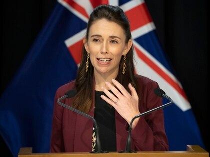 La premier Jacinda Ardern en una conferencia de prensa sobre las políticas contra el coronavirus (AFP)