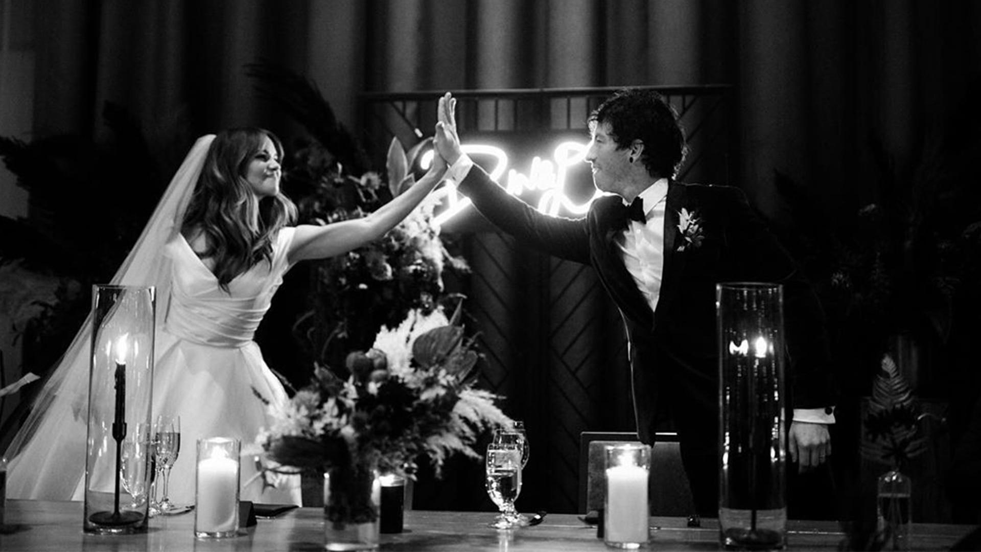Debby Ryan y Josh Dun revelaron que se casaron en Año Nuevo - Infobae