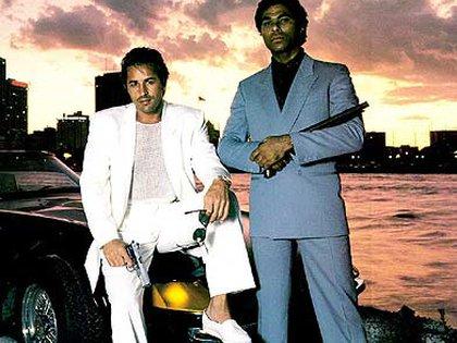 Los agentes Crockett y Rico Tubbs con la falsa Ferrari Daytona: era un Corvette C3.