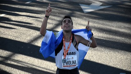 El año pasado, Julián Molina fue el primero de los argentinos en cruzar la meta