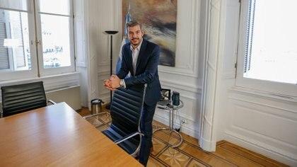 Marcos Peña, en su despacho de Casa de Gobierno. Está enojado con la intervención de la Corte en el caso de la obra pública que tiene a Cristina Kirchner como acusada (Foto de archivo: Nicolás Aboaf)