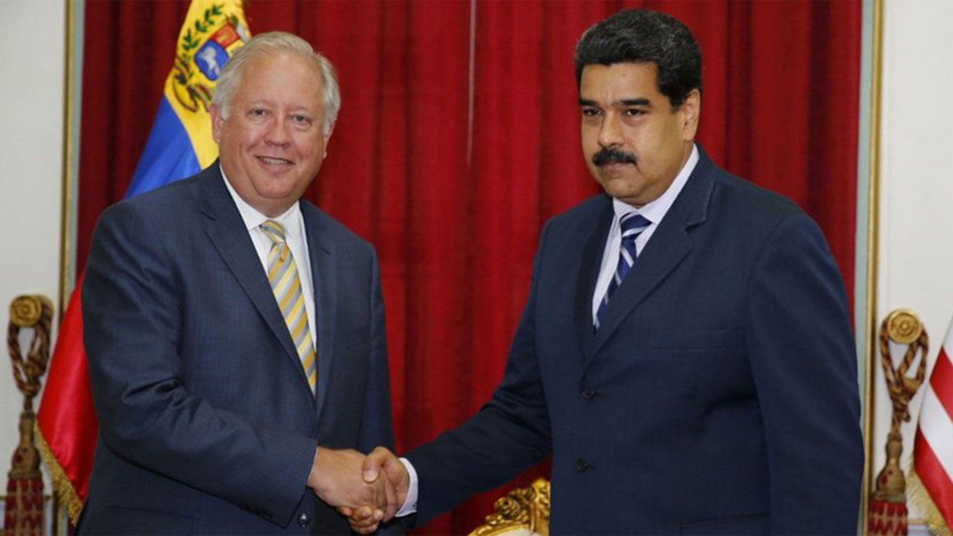 Thomas Shannon se reunió con Nicolás Maduro a pedido del presidente de los Estados Unidos, Barack Obama.