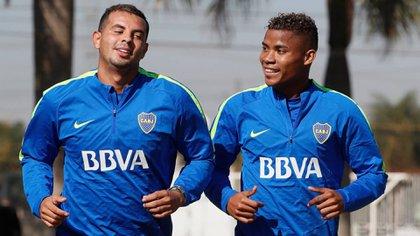 Edwin Cardona, junto a Wilmar Barrios, cuando vistió los colores de Boca entre 2017 y 2018