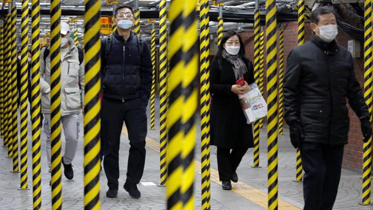 China reportó 71 nuevas muertes por coronavirus, el número más bajo de decesos diarios en dos semanas - Infobae