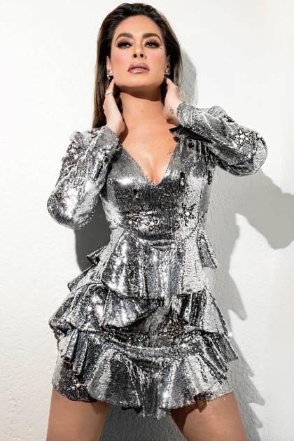 Uno de sus looks más recordados, un vestido plateado (Instagram: galileamontijo)