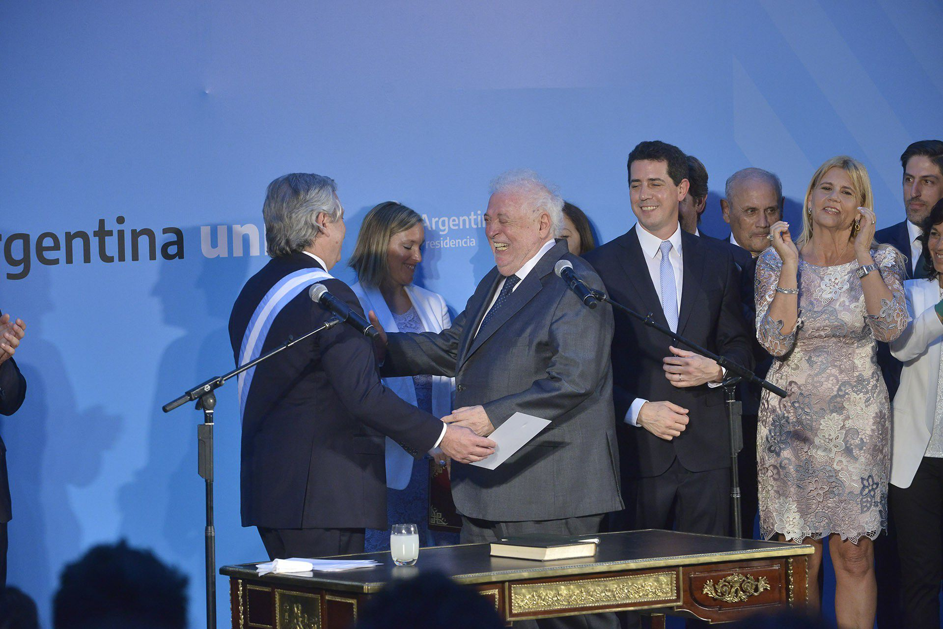 Alberto Fernández y Ginés González García en la presentación del Gabinete (Foto: Gustavo Gavotti)