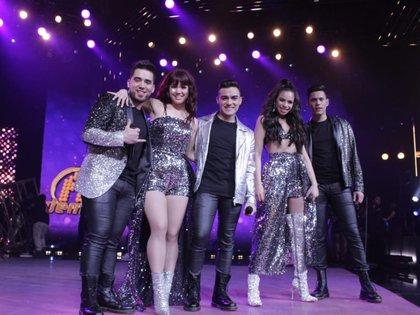 De izquierda a derecha Charly Zúñiga, Dalú, Dennis, Angie y Carlos (Foto: Twitter/La Academia)