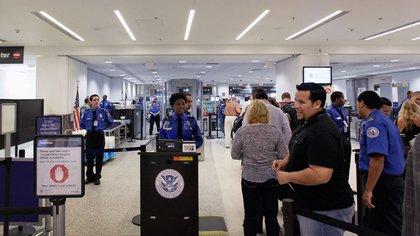 Este tipo de documentos son otorgados a tripulantes de líneas aéreas internacionales y a extranjeros (Foto: Joe Raedle/Getty Images 163)