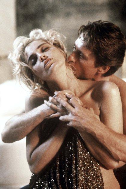 La relación entre Michael Douglas y Sharon Stone no era la ideal fuera de cámara. O tal vez sí. Había tensión, un recelo, un aire de violencia y atracción los sobrevolaba (StudioCanal/Shutterstock)