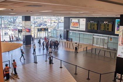 Vista general de una terminal del Aeropuerto Internacional Jorge Chavéz, en Lima. EFE/Christian Ugarte/Archivo