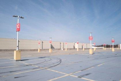 El estacionamiento del Centro Comercial Westfield, en Annapolis, completamente vacío por la pandemia (Washington Post/Michael Robinson Chavez)