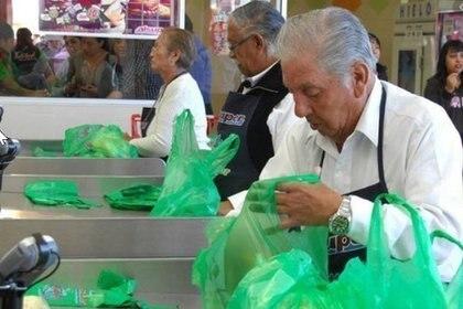 El regreso a la nueva normalidad para los empacadores de la tercera edad en Coahuila será el 1 de octubre