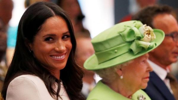 Meghan Markle y la Reina Isabel II (Reuters)