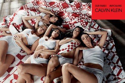 Las hermanas Kardashian compartieron escena para Calvin Klein