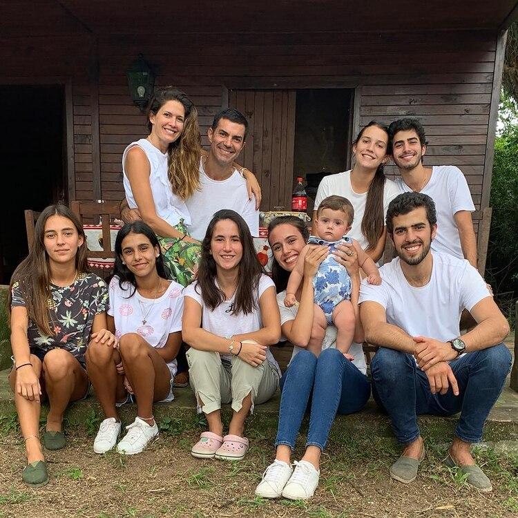Isabel Macedo y Juan Manuel Urtubey pasaron un fin de semana en familia en Metán Viejo, Salta (Instagram)