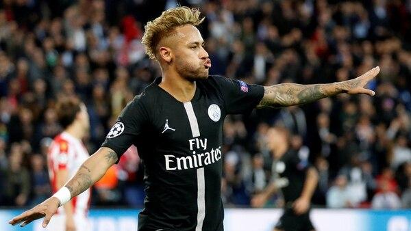 Neymar festeja tras anotar el segundo gol del PSG (Reuters)