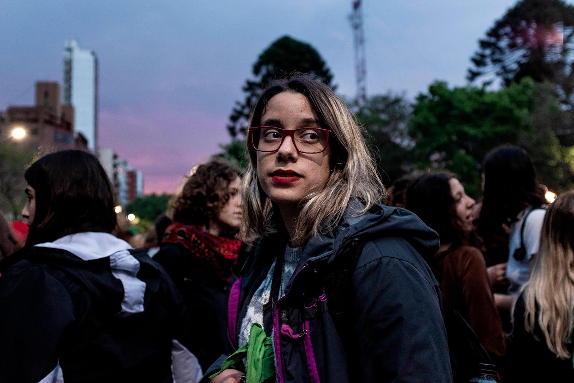 Natalia Mira, 18 años, utilizó el lenguaje inclusivo en una entrevista de TV y el video se viralizó (Crédito de las fotos de esta nota: The Washington post)