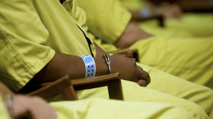 Plusieurs États, dont le New Jersey et Washington, ont déjà commencé à vacciner les détenus