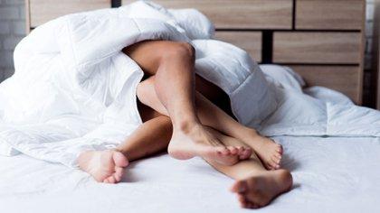 """""""El sexo difiere de la sexualidad, siendo el sexo todo aquello que está determinado por la biología y limitado a los órganos sexuales y hormonas, y la sexualidad, como una configuración mucho mayor que abarca aspectos físicos, psicológicos, sociales y culturales"""" (Shutterstock)"""