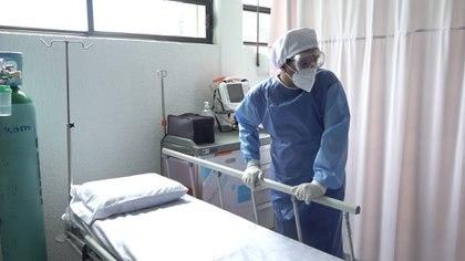 Al respecto, explicó Ridaura, hay dos grandes iniciativas que van enfocadas a que la comunidad acuda de manera temprana a una evaluación en hospitales (Foto: Foto: Infobae México)